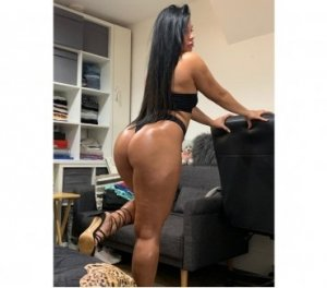 Lamiss foot escorts in Bothell West, WA