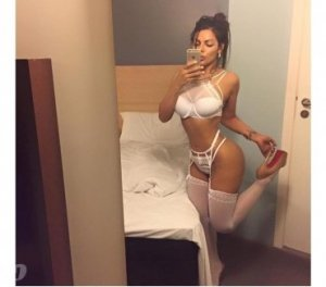 Elssa anal escorts in Flint, UK